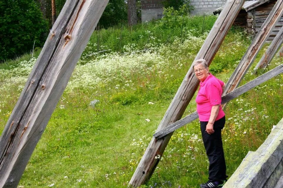 Min mor, Gunhild Lindgren vid utflykt till Myckelgensjö